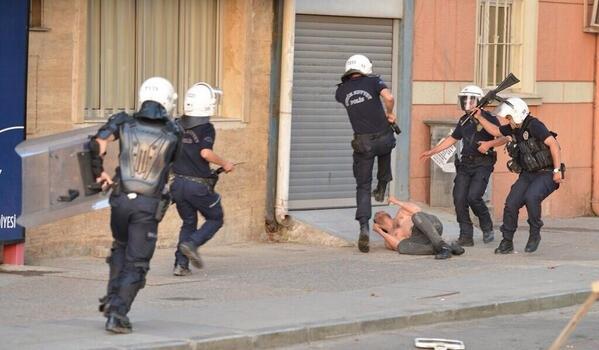 Very bad... Turkish police today... RT @dilara2327: Alllah belanizi versn. !!! Akp cek ulan itlerini !!!!! pic.twitter.com/uxeKjJF8fr