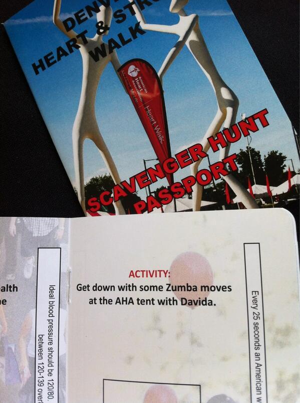 Making everyone show a Zumba move b4 I stamp their Scavenger Passport. #denverwalk http://pic.twitter.com/UiAywOHqSO
