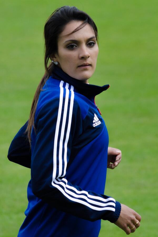 louisa necib on twitter louisa necib the most popular women s footballer in france http t. Black Bedroom Furniture Sets. Home Design Ideas
