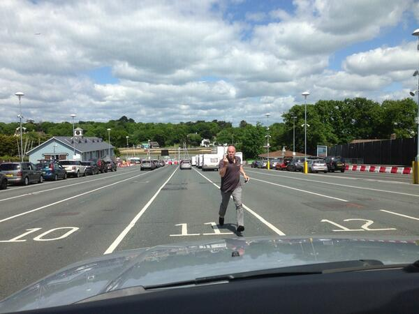 Haha, Daryl sprinting across the ferry car park as we're holding up the traffic #jasonstathamstyle @gennipperpic.twitter.com/H9926g6o8h