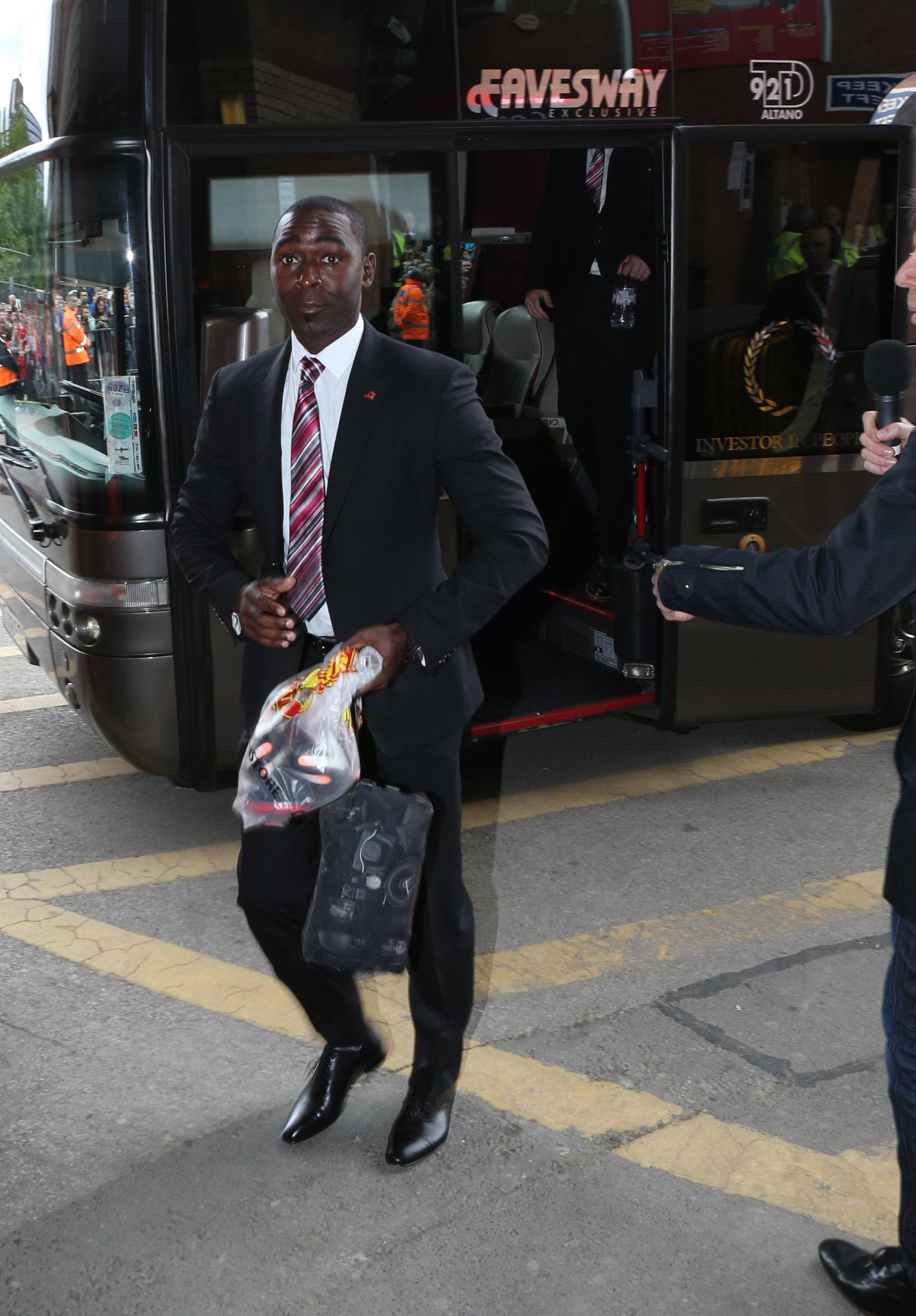 Twitter / ManUtd_PO: The players arrive at Old ...