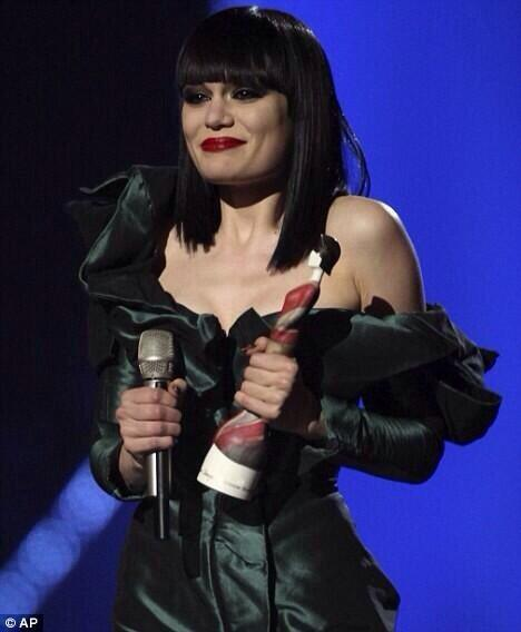 Awww remember @JessieJ's speech at her first Brit Awards in 2011, she's come soooo far. So so proud http://t.co/RCUPJZwMPi