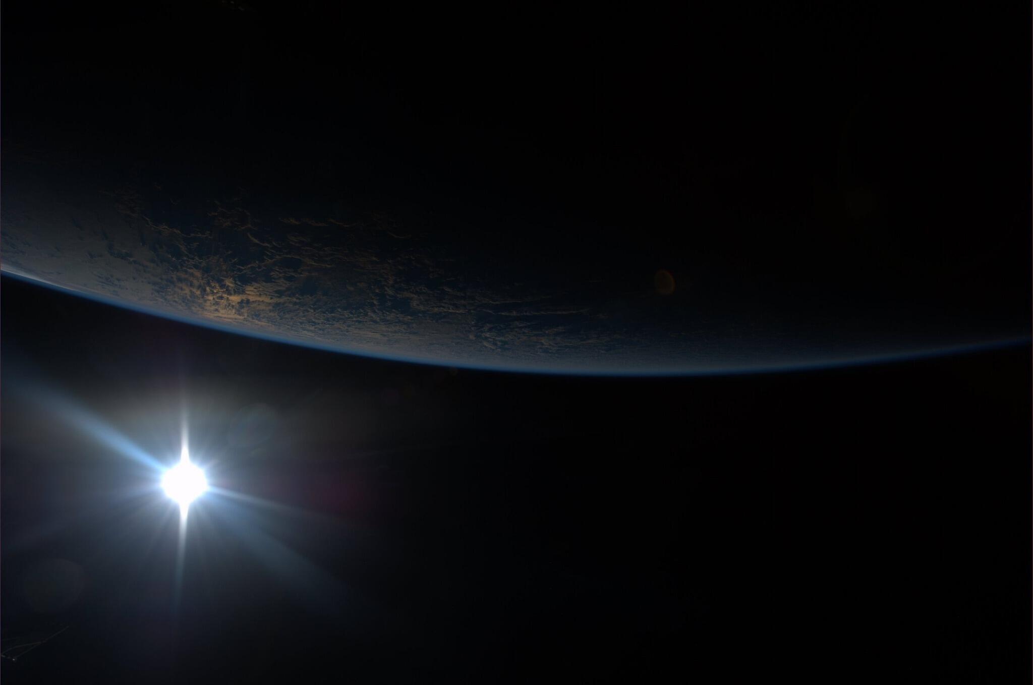 Twitter / AstroKarenN: Sunset. http://t.co/X0Fh0hDrpu