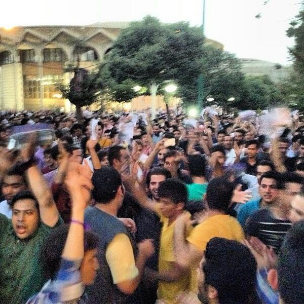 Picture: Rouhani supporters celebrate in Tehran's Daneshjou park: pic.twitter.com/fqfjmp2Xsa via @Vahid #Iran