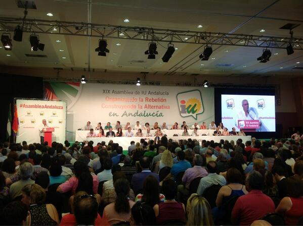 Foto del plenario escuchando la intervención de @cayo_lara en la  #AsambleaAndaluza de IU, #HayAlternativa: pic.twitter.com/kG2A0WbxP8