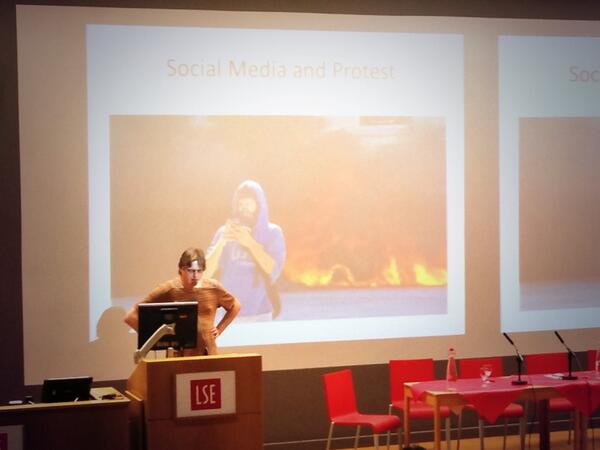 @Bart Cammaerts: Invisibility of neoliberal politics curbs effectiveness of liberal protests in media #lsemc10 pic.twitter.com/8fZGx7vwHQ
