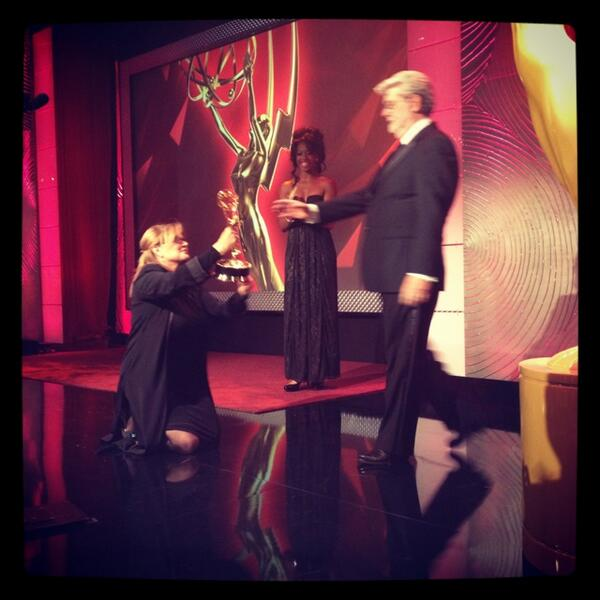 If you didn't watch #DaytimeEmmys LIVE, this was THE moment @CarrieFFisher George Lucas pic.twitter.com/QAh31AGeIc