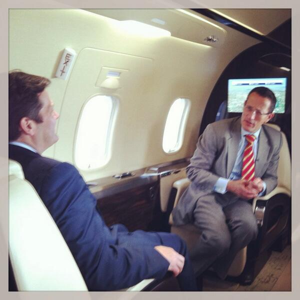 @richardquest interviewing Bombardier CEO. Watch #cnni at 8pCET this evening for full interview #lebourget pic.twitter.com/8yCEemWhuH
