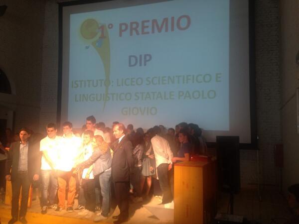 """Primo premio per la V Giornata dell'Innovazione a """"Liceo P. Giovio"""" con il progetto *DIP* @Comonext_ #innacqua pic.twitter.com/BvJ5TwuXot"""