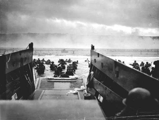June 6,1944, 160k+ men started their day like this to secure the free world for us. #DDay Thank you. http://t.co/0rSpc21AsP