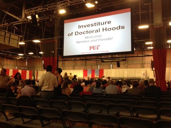 The stage is set for @sorewaeien's MIT PhD hooding ceremony! pic.twitter.com/1Md6emSBWw