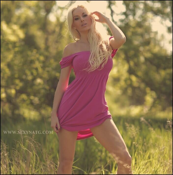 (3) Twitter | Model, Natalie, Canadian models