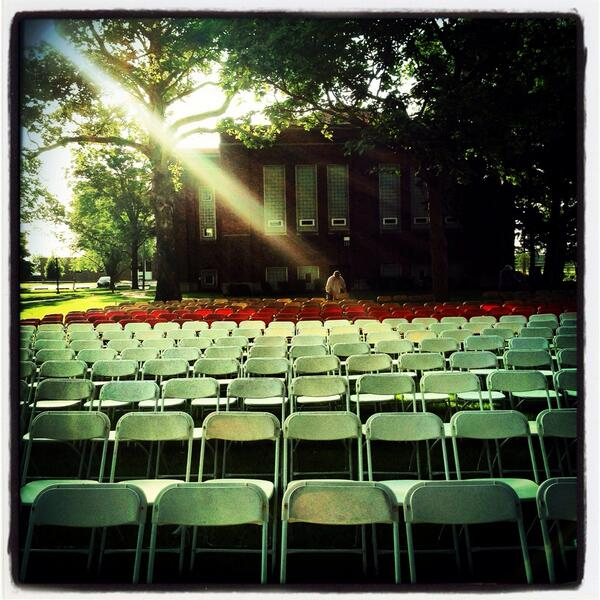 Preparing for the 168th Commencement at Knox College, Galesburg, IL. #knoxgrad pic.twitter.com/KurR1Z269k