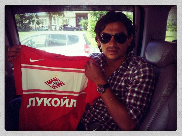Тино Коста сфотографировался с футболкой «Спартака»