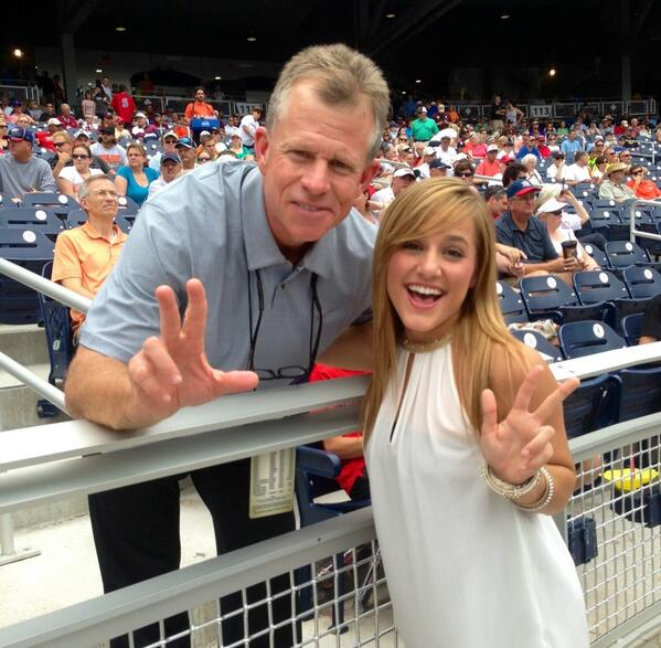 @VUHawkTalk saw @timcorbin at #cws @NCAACWS  :) #ANCHORDOWN pic.twitter.com/P52YTrjSfo