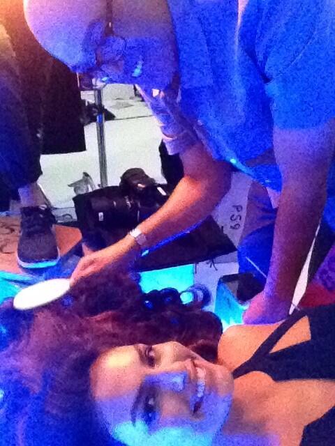 Alyssa Miller  - On set with twitter @luvalyssamiller