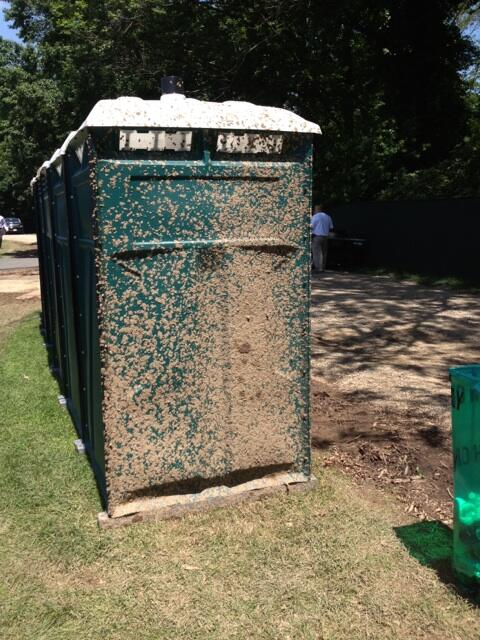 Someone had a rough time in the port-a-potty this morning! Ha http://t.co/unei5XhTuO