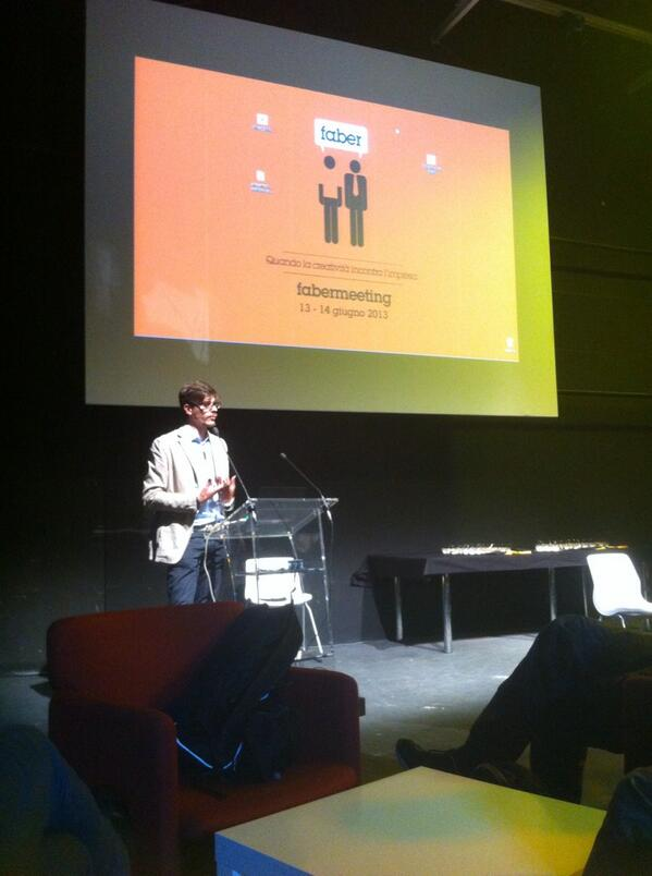 Al #fabermeeting si parla di #coworking e #startup. pic.twitter.com/yCd02vreOS