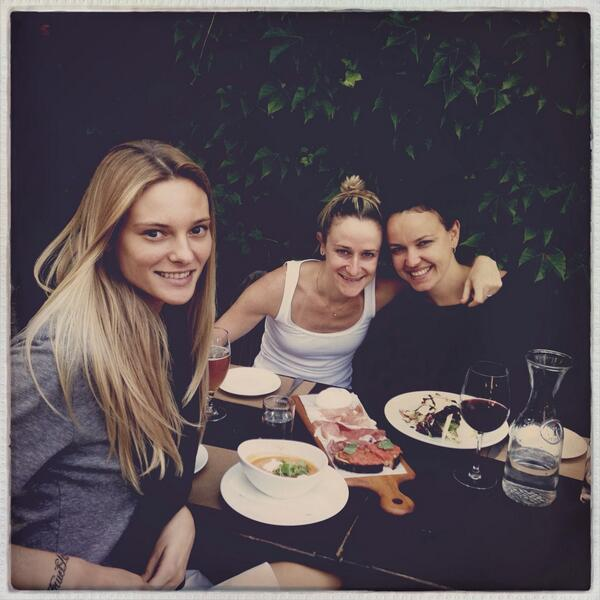 Fabiana Semprebom  - Lunch with m twitter @fsemprebom friends,nicole,juh