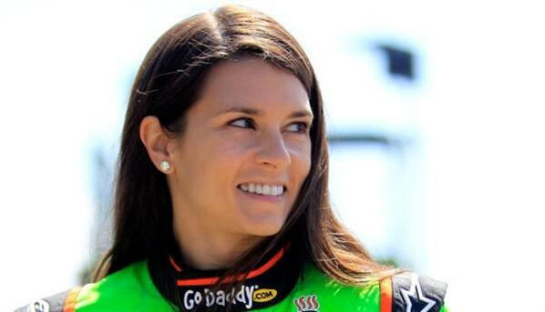 Kyle Petty: Danica 'Not a Racecar Driver.' #NASCAR bit.ly/152CPIc pic.twitter.com/t1imemtqKl