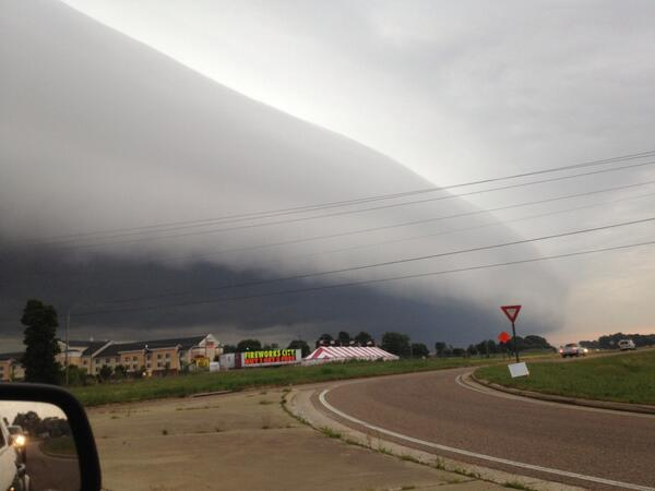 Photo from @trose531 via @memphisweather1