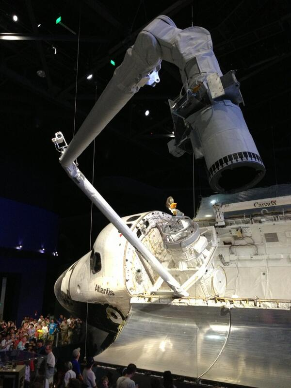 Every angle is beautiful but I like 43.21 degrees best. #Atlantis reaching out w/ #Canadarm @ExploreSpaceKSC! pic.twitter.com/xBuKuen7BA