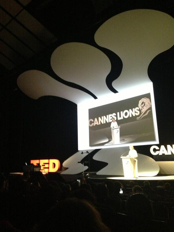 The Magic of The future TED at Cannes Lions Festival. Muy recomendable Marco Tempest #canneslions2013 pic.twitter.com/bMBiMl8Vit