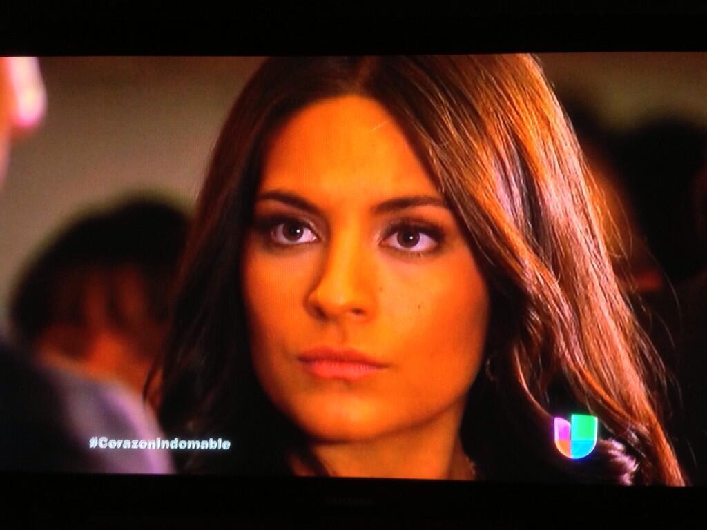 ანა ბრენდა კონტრერასი //Ana Brenda Contreras #3 - Page 26 BNFA3K7CMAEYAly