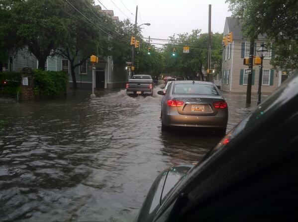#chswx RT @skropf47: It's a Venice kind of day in Charleston pic.twitter.com/t9e13YxyMi