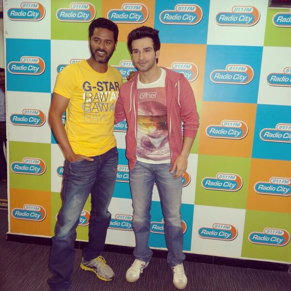 Girish Kumar On Twitter Girishkumart Pddancing Radio City 91 1fm 4 Promotion Of Ramaiyavastavaiya Keep Listening And Catch Us On Air Http T Co H00pl7iuqv
