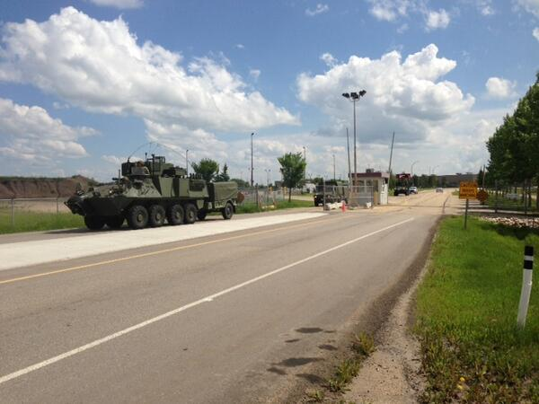 Breaking: PPCLI is on the way #yyc - Military convoy leaves Edmonton Garrison just now. #yeg #yyc #yycflood pic.twitter.com/PLeX1JGJJl