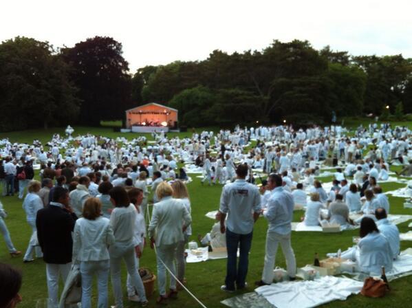 Maria fustero on twitter spectaculaire soir e blanche au - Jardin des crayeres reims ...