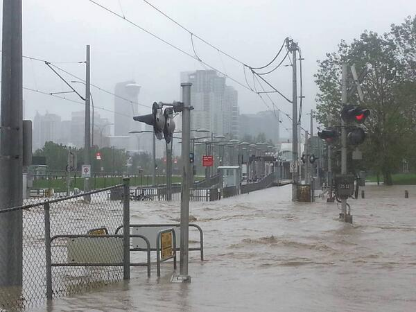 This is what Erlton LRT Station looks like right now #yycflood #calgarystrong pic.twitter.com/dIMuikfLQh