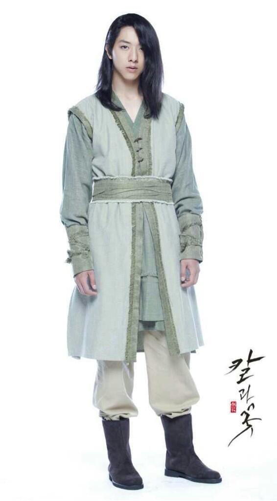 "[Dossier] Jungshin dans le drama historique ""Sword and Flower"" BNVF7txCAAA7OOG"