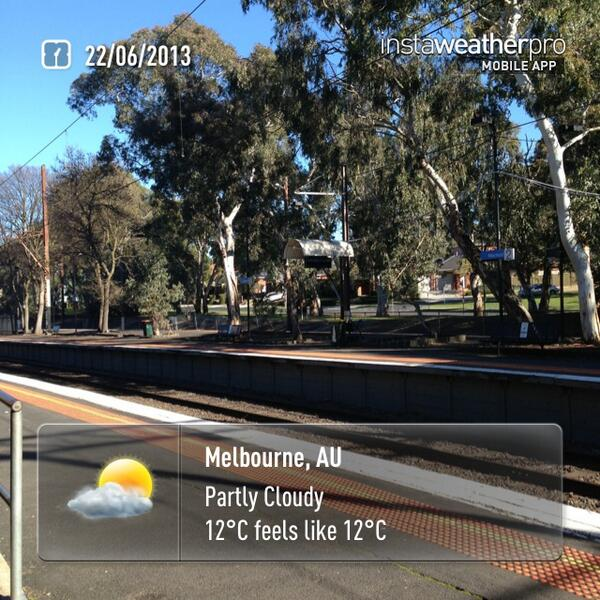 What a lovely day for a teachmeet. Just setting off for #tmmelb. #weather now in #Melbourne pic.twitter.com/C2Cs1tKo8s