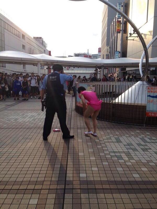 【東京】 レオタードで散歩した男 警察に捕まる 【町田】