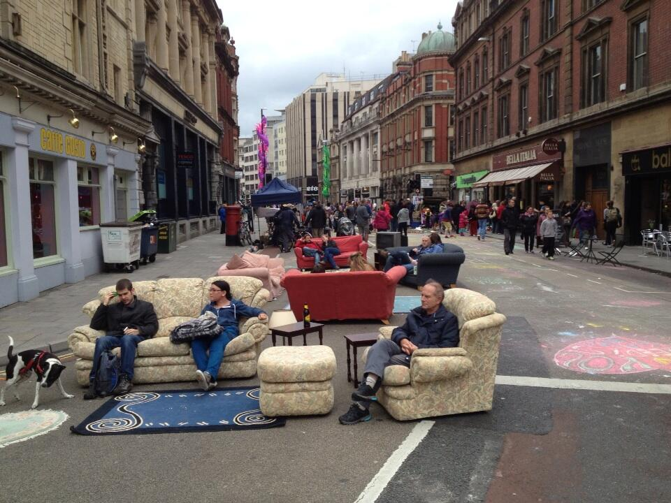 Twitter / jonkay01: Sofas in the street! Bristol ...