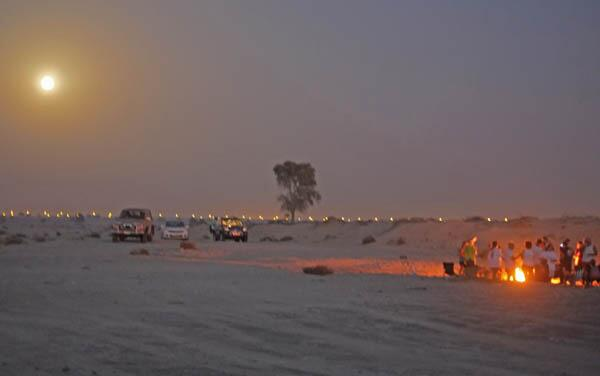 Twitter / ShonaEaston: The SuperMoon in the desert ...