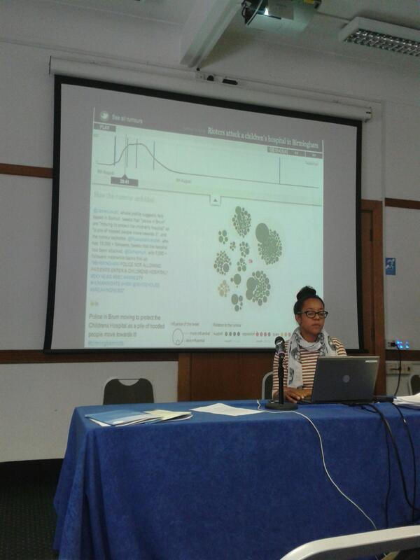 #sraconf @flygirltwo on visualisation of transition of rumours from london riots http://pic.twitter.com/8MxmXMEPER