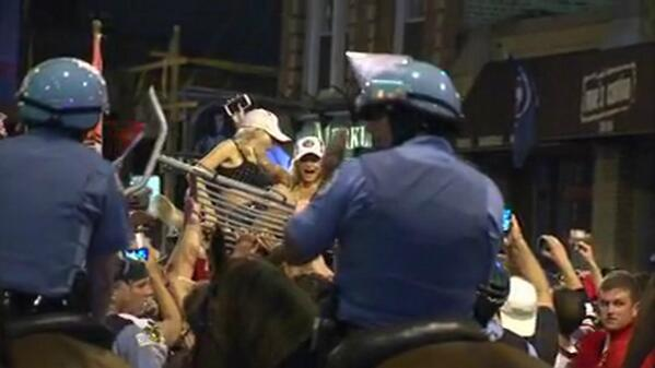 Thumbnail for Chicago Blackhawks Win Stanley Cup, Crowds Party in Wrigleyville and Throughout City