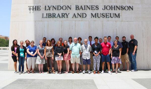 #GLIUT2013 teacher group photo outside of the @LBJLibrary #UTAustin @LiberalArtsUT pic.twitter.com/3nBTjVLLj6