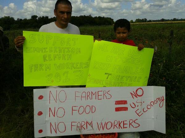 Farmworker Families Support S. 744 #FieldFotos pic.twitter.com/x7ndMQcfi9