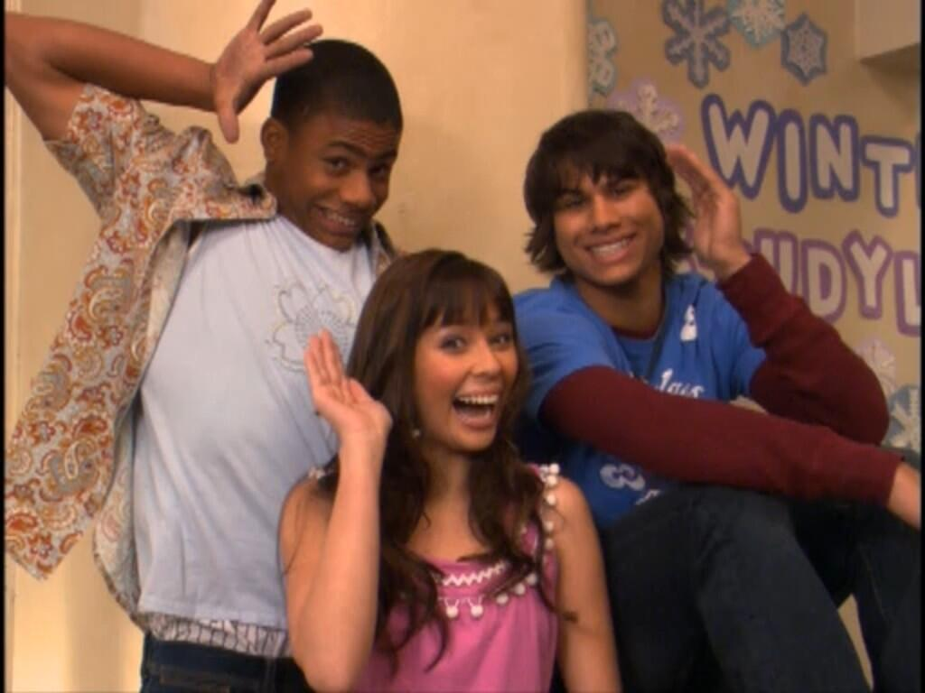 "Unfabulous on Twitter: ""#Addie #Zach #Geena #Unfabulous #Friends http://t.co/MbEPIuSWOt"""