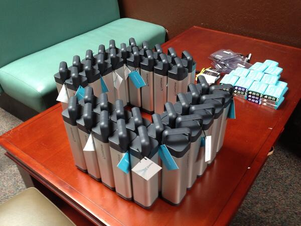 Getting ready for our VIP event in San Jose. Guess what's inside the bottles. #hadoopsummit pic.twitter.com/zzLJfcEBl4