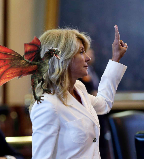 If you're looking for some good fanart: Wendy Davis with a dragon http://oliviabensons.tumblr.com/post/53900241101 http://pic.twitter.com/4b4F2FwP1O