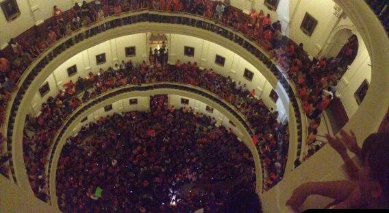 "Thousands flood rotunda in Texas chanting ""hell no we won't go."" http://pic.twitter.com/xjgAIgUDnc (@joethepleb)"