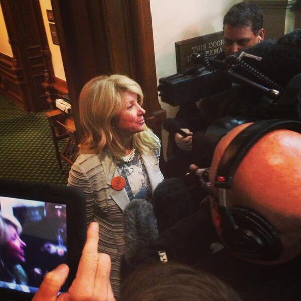 """It was worth it, absolutely""-- @WendyDavisTexas in brief remarks to press http://pic.twitter.com/tOkDe6KSAU (@sonia_smith)"