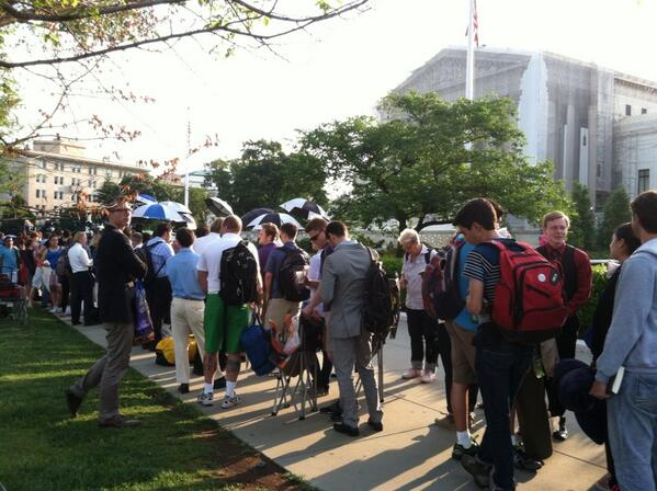 Line outside #Scotus this morning. pic.twitter.com/8jVs885ixG