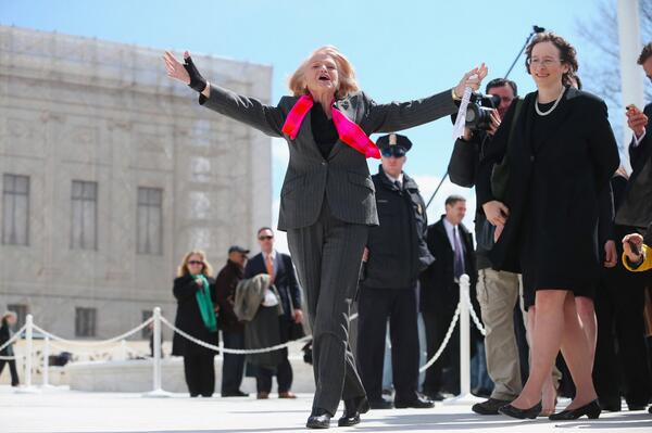 Edith Windsor FTW. #DOMA #SCOTUS (via @GettyImages) pic.twitter.com/4Nz8NgHwL8