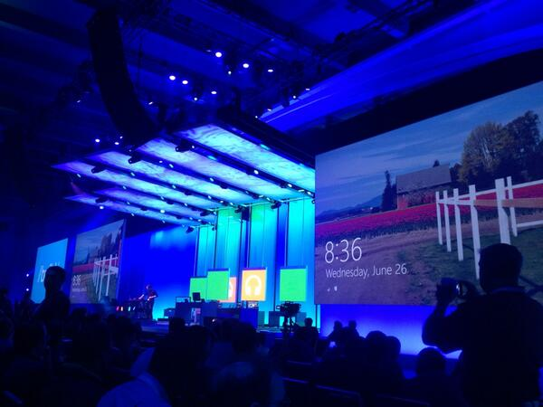 5th row.  Waiting for this to start.  #bldwin pic.twitter.com/8bAC0luLmb